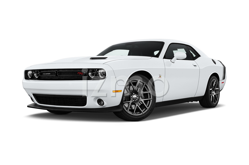 Stock pictures of low aggressive front three quarter view of 2016 Dodge Challenger Scat-Pack 2 Door Coupe Low Aggressive