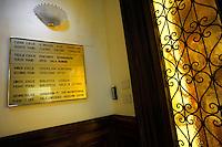 La biblioteca dell' Istituto di Norvegia è specializzata in arte e cultura dell' Italia e del Mediterraneo ( medioevo e rinascimento). Ha una sezione di storia sull' arte norvegese e la raccolta Filippetto sulle esplorazioni polari..The library of the Institute of Norway has specialized in art and culture of Italy and the Mediterranean (the Middle Ages and Renaissance). He has a history section on Norwegian art and the collection Filippetto on polar exploration...