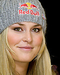 26.11.2010, St. Regis Hotel, Aspen, USA, FIS World Cup Ski Alpin, Lady, Aspen, Vorberichte, im Bild Lindsey Vonn, USA // A press conference with the 3 Olympic champions Julia Mancuso, Maria Riesch, and Lindsey Vonn in the St. Regis Hotel in Aspen, Colorado on November 26, 2010, EXPA Pictures © 2010, PhotoCredit: EXPA/ J. Selkowitz+++++ ATTENTION - OUT OF United States/USA +++++