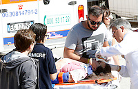 An injured woman receives medical assistance outside of the village of Amatrice, central Italy, hit by a magnitude 6 earthquake at 3,36 am, 24 August 2016.<br /> Una donna ferita riceve assistenza medica all'esterno dell'ospedale di Amatrice dopo il terremoto magnitudo 6 che alle 3,36 del mattino ha colpito la zona, 24 agosto 2016.<br /> UPDATE IMAGES PRESS/Riccardo De Luca