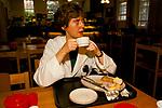 NHS 1980s Dr Maura Stafford having breakfast, at 10am, having been up all night. Royal United Hospital Bath Hospital Somerset 1989. UK