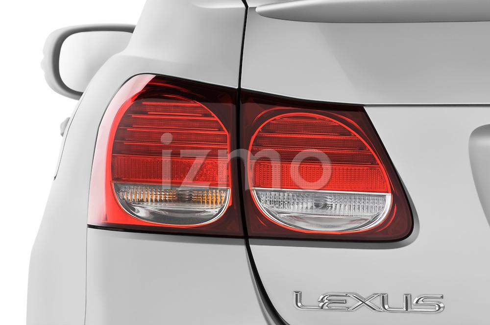 Tail light close up detail view of a 2008 Lexus GS 460