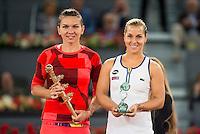 Romanian Simona Halep and Slovakian Dominika Cibulkova during Mutua Madrid Open Tennis 2016 in Madrid, May 07, 2016. (ALTERPHOTOS/BorjaB.Hojas) /NortePhoto.com