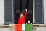 Milano 25 aprile2020.  bandiere casalinghe alle finestre e ai balconi al tempo della quarantena