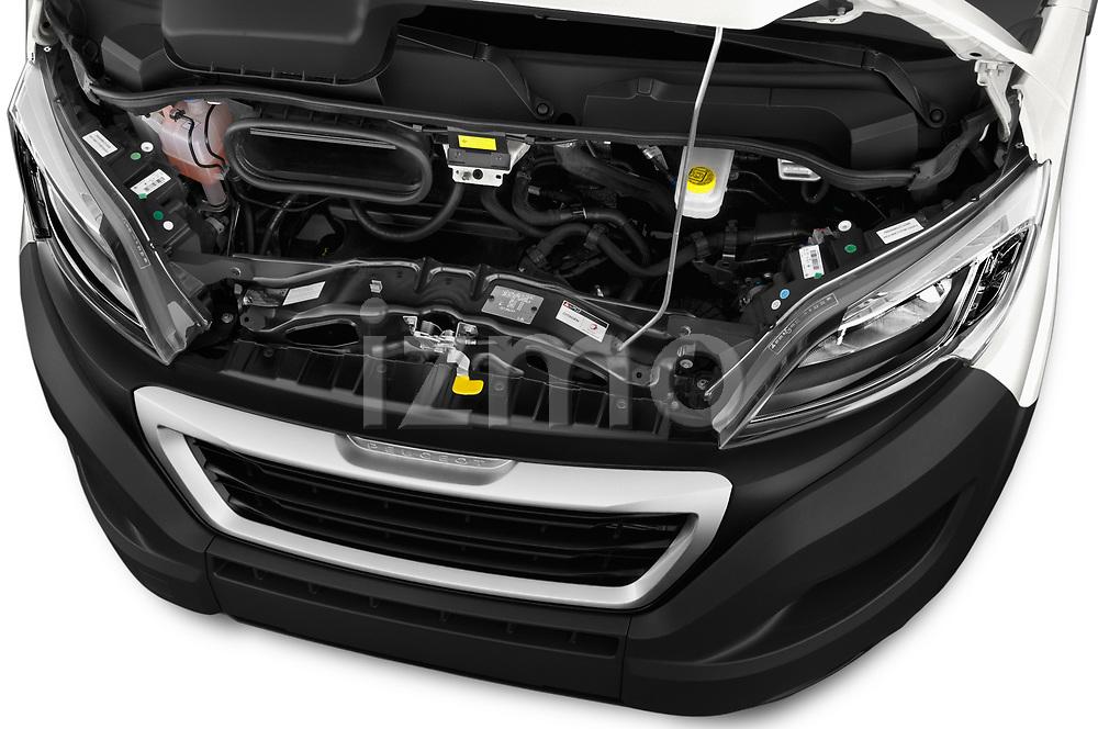 Car stock 2018 Peugeot Boxer Pro 3 Door Cargo Van engine high angle detail view
