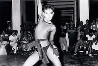 Janary and February 1986 were memorable days in the Philippines. The fall of dictator Ferdinand Marcos and the rise of the first so called democraticly chosen President Cory Aquino. Helped by the massive public support of People Power. Gay party in Pasay. the gays were for Marcos. Afraid that Aquino would be more anti-gay.