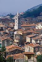 - Carrara, town panorama with Dome bell tower....- Carrara, panorama della città con il campanile del Duomo..