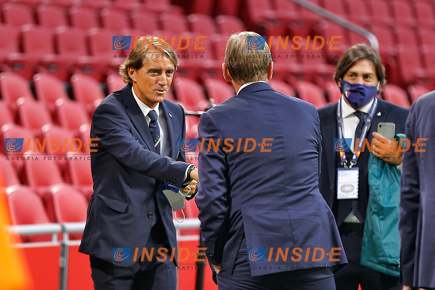 AMSTERDAM, 07-09-2020, JohanCruyff Stadium, season 2020 / 2021 . Nations Leaque game between Netherlands and Italy. Italian coach Roberto Mancini and Holland Coach Dwight Lodeweges shaking hands<br /> <br /> <br /> Amsterdam 07-09-2020 <br /> Football Calcio Uefa Nations League <br /> Olanda - Italia / Netherlands - Italy <br /> Photo Stanley Gontha / Pro Shots / Insidefoto <br /> ITALY ONLY