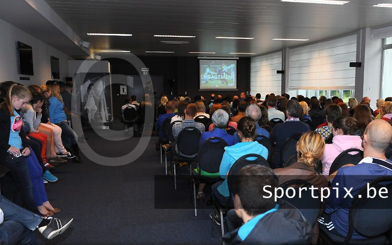 voorstelling Club Brugge Vrouwen seizoen 13 - 14 : voorstelling met een volle zaal<br /> foto Joke Vuylsteke / nikonpro.be
