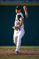 Lansing Lugnuts pitcher Chase De Jong (34) delivers a pitch during a game against the Peoria Chiefs on June 6, 2015 at Cooley Law School Stadium in Lansing, Michigan.  Lansing defeated Peoria 6-2.  (Mike Janes/Four Seam Images)