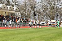 Deutsche U19 betritt den Kelsterbacher Sportpark - 25.03.2017: U19 Deutschland vs. Serbien, Sportpark Kelsterbach
