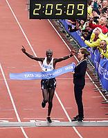Nederland - Amsterdam - 2019 . De Marathon van Amsterdam.  Vincent Kipchumba won de 44e editie van de marathon van Amsterdam. De Keniaan finishte na 42,195 kilometer in het Olympisch Stadion in een tijd van 2.05.09.    Foto Berlinda van Dam / Hollandse Hoogte