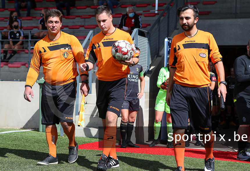 First assistant Frederic Van Herreweghe (L), referee Kevin Desimpele (M) and second assistant Salih Odemis (R)  walk onto the pitch before a female soccer game between Standard Femina de Liege and Oud Heverlee Leuven on the second matchday of the 2020 - 2021 season of Belgian Scooore Women s SuperLeague , saturday 5 th of September 2020  in Angleur , Belgium . PHOTO SPORTPIX.BE | SPP | SEVIL OKTEM