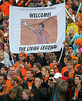 14-09-12, Netherlands, Amsterdam, Tennis, Daviscup Netherlands-Swiss,  Dutch supporters welcome Federer