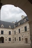 Europe/France/Bourgogne/89/Yonne/ Ancy le Franc: Cour intérieure du château de Ancy le Franc [Non destiné à un usage publicitaire - Not intended for an advertising use]