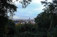 Herbstlicher Blick auf die Innenstadt vom Fockeberg - Das grüne Fenster gewährt einen wunderschönen Panoramablick . Foto: Norman Rembarz