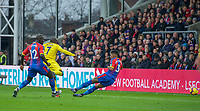 Ngolo KANTE of Chelsea scores a goal to make it 1-0 during the Premier League match between Crystal Palace and Chelsea at Selhurst Park, London, England on 30 December 2018. Photo by Andrew Aleks.