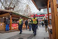 Eroeffnung des Berliner Weihnachtsmarkt am Breitscheidplatz am Montag den 27. November 2017.<br /> Nach dem LKW-Anschlag am 19. Dezember 2016 findet der Weihnachtsmarkt unter verschaerften Sicherheitsvorkehrungen statt. So wurden Beton-Barrieren um den Weihnachtsmarkt aufgestellt und mehr Polizeistreifen sind zum Schutz der Besucher unterwegs.<br /> 27.11.2017, Berlin<br /> Copyright: Christian-Ditsch.de<br /> [Inhaltsveraendernde Manipulation des Fotos nur nach ausdruecklicher Genehmigung des Fotografen. Vereinbarungen ueber Abtretung von Persoenlichkeitsrechten/Model Release der abgebildeten Person/Personen liegen nicht vor. NO MODEL RELEASE! Nur fuer Redaktionelle Zwecke. Don't publish without copyright Christian-Ditsch.de, Veroeffentlichung nur mit Fotografennennung, sowie gegen Honorar, MwSt. und Beleg. Konto: I N G - D i B a, IBAN DE58500105175400192269, BIC INGDDEFFXXX, Kontakt: post@christian-ditsch.de<br /> Bei der Bearbeitung der Dateiinformationen darf die Urheberkennzeichnung in den EXIF- und  IPTC-Daten nicht entfernt werden, diese sind in digitalen Medien nach §95c UrhG rechtlich geschuetzt. Der Urhebervermerk wird gemaess §13 UrhG verlangt.]