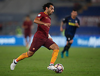Calcio, Serie A: Roma vs Inter. Roma, stadio Olimpico, 2 ottobre 2016.<br /> Roma's Mohamed Salah in action during the Italian Serie A football match between Roma and FC Inter at Rome's Olympic stadium, 2 October 2016.<br /> UPDATE IMAGES PRESS/Isabella Bonotto