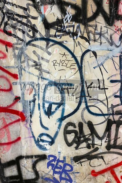 France, Paris (75), détail  graffitis dans le métro //  France, Paris,   graffitis in the tube