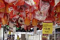 Campinas (SP), 30/03/2021 - Pascoa - Ovos de pascoa expostos em supermercado da cidade de  Campinas, interior de Sao Paulo. Pesquisa feita pelo Procon de Campinas apontou que o preco de um mesmo produto pode chegar a quase 78%. O orgao de defesa do consumidor pesquisou os precos de 146 itens, entre ovos de chocolate, colomba pascal, caixas e barras de chocolates.. Foto: Denny Cesare/Codigo 19 (Foto: Denny Cesare/Codigo 19/Codigo 19)