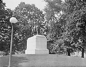 0613-B039. Washington statue in Foggy Bottom, K St. & 23rd. Washington, DC, 1922