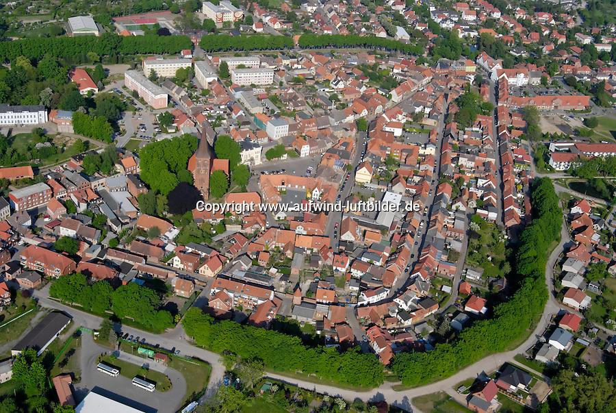 Wittenburg: EUROPA, DEUTSCHLAND, MECKLENBURG VORPOMMERN  (GERMANY), 15.05.2008: Deutschland, Europa, Stadtansicht, Wittenburg, Mecklenburg, Tourismus, Vorpommern, Wittenburg, Luftaufnahme, Luftbild, Luftansicht, .c o p y r i g h t : A U F W I N D - L U F T B I L D E R . de.G e r t r u d - B a e u m e r - S t i e g 1 0 2, 2 1 0 3 5 H a m b u r g , G e r m a n y P h o n e + 4 9 (0) 1 7 1 - 6 8 6 6 0 6 9 E m a i l H w e i 1 @ a o l . c o m w w w . a u f w i n d - l u f t b i l d e r . d e.K o n t o : P o s t b a n k H a m b u r g .B l z : 2 0 0 1 0 0 2 0  K o n t o : 5 8 3 6 5 7 2 0 9.C o p y r i g h t n u r f u e r j o u r n a l i s t i s c h Z w e c k e, keine P e r s o e n l i c h ke i t s r e c h t e v o r h a n d e n, V e r o e f f e n t l i c h u n g n u r m i t H o n o r a r n a c h M F M, N a m e n s n e n n u n g u n d B e l e g e x e m p l a r !.