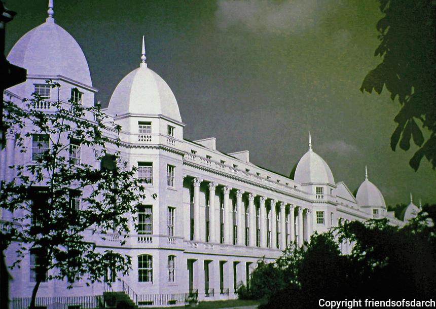 Sussex Place, Regent's Park, London. Designed by John Nash, 1822-23.