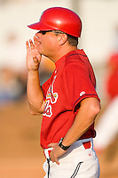 Johnson City Cardinals manager Mike Shildt #8 yells instructions to a runner from the third base coaches box at Howard Johnson Stadium June 27, 2009 in Johnson City, Tennessee. (Photo by Brian Westerholt / Four Seam Images)