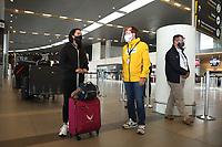 BOGOTA - COLOMBIA, 19-07-2020: Salida de los deportistas Colombianos desde la ciudad de Bogotá hacía Europa en Medio de la cuarentena causada por la panademia del coronavirus COVID-19. / Departure of Colombian athletes from Bogota to Eurpoe in the midst of coronavirus COVID-19 pandemic. Photo: VizzorImage / Mindeporte Prensa / CONT