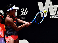 BOGOTÁ-COLOMBIA, 08-04-2019: María Camila Osorio de Colombia, devuelve la bola a Conny Perrin de Suiza, durante partido por el Claro Colsanitas WTA, que se realiza en el Carmel Club en la ciudad de Bogotá. / / Maria Camila Osorio from Colombia, returns the ball to Conny Perrin from Switzerland, during a match for the WTA Claro Colsanitas, which takes place at Carmel Club in Bogota city. / Photo: VizzorImage / Luis Ramirez / Staff.