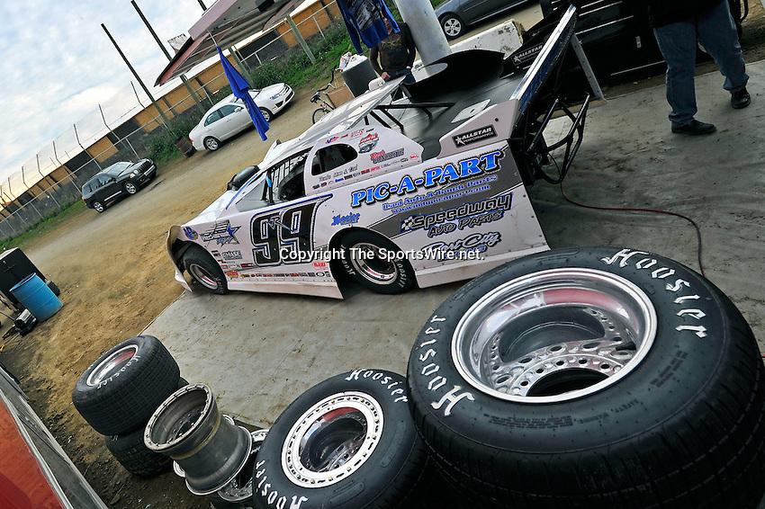 Feb 12, 2011; 5:34:29 PM; Gibsonton, FL., USA; The Lucas Oil Dirt Late Model Racing Series running The 35th annual Dart WinterNationals at East Bay Raceway Park.  Mandatory Credit: (thesportswire.net)