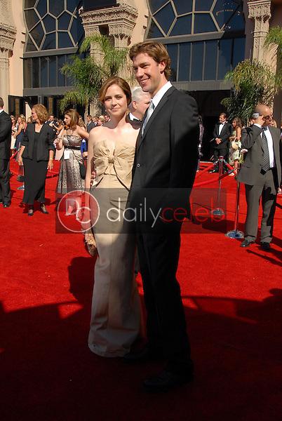 Jenna Fischer and James Gunn<br />arriving at the 58th Annual Primetime Emmy Awards. The Shrine Auditorium, Los Angeles, CA. 08-27-06<br />Scott Kirkland/DailyCeleb.com 818-249-4998