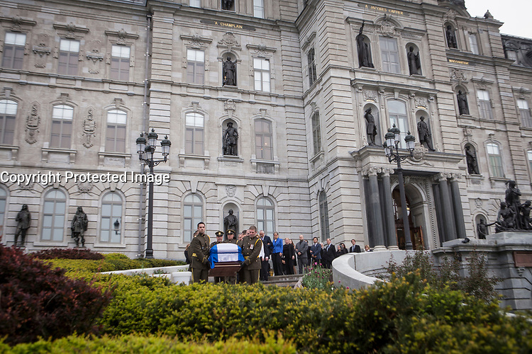 The casket of former Quebec premier Jacques Parizeau leaves the National Assembly in Quebec City on Sunday June 7, 2015. THE CANADIAN PRESS/Francis Vachon.<br /> <br /> PHOTO :  Francis Vachon - Agence Quebec Presse