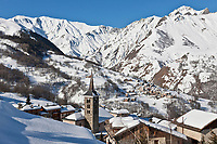 Europe/France/Rhône-Alpes/73/Savoie/Vallée de Belleville/Saint-Martin-de-Belleville : la sation village, son clocher