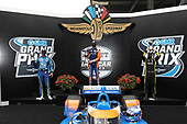 #9: Scott Dixon, Chip Ganassi Racing Honda, #15: Graham Rahal, Rahal Letterman Lanigan Racing Honda, #22: Simon Pagenaud, Team Penske Chevrolet celebrate in victory lane