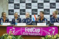Moskou, Russia, Februari 3, 2016,  Practise  <br /> Photo: Tennisimages/Henk Koster