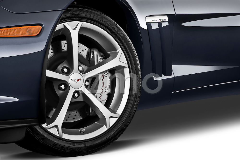 Tire and wheel close up detail view of a 2010 Chevrolet Corvette GS Coupe