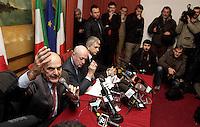 Da sinistra, i leader della coalizione di centrosinistra Pierluigi Bersani (Partito Democratico), Bruno Tabacci (Centro Democratico) e Nichi Vendola (Sinistra Ecologia Liberta'), durante la conferenza stampa per la presentazione delle liste, a Roma, 24 gennaio 2013..From left, Italian center-left coalition leaders Pierluigi Bersani (Democratic Party, PD) Bruno Tabacci (Democratic Center) and Nichi Vendola (Left Ecology Freedom), attend a press conference to present the coalition's lists in Rome, 24 January 2013..UPDATE IMAGES PRESS/Riccardo De Luca