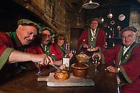 Europe/France/Aquitaine/24/Dordogne/Env de Périgueux/Antonne-et-Trigonant:  La confrérie du Pâté de Périgueux photographiée dans la cuisine gothique du Château des Bories