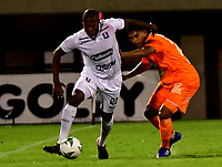 ENVIGADO - COLOMBIA, 21-10-2020: Envigado F. C. y Once Caldas, durante partido de la 3ra ronda clasificacion ida por la Copa BetPlay DIMAYOR 2020 en el estadio Polideportivo Sur de la ciudad de Envigado. / Envigado F. C. and Once Caldas, during a match 3rd round qualifying first leg for the BetPlay DIMAYOR Cup 2020 at the Polideportivo Sur stadium in Envigado city. / Photo: VizzorImage / Luis Benavides / Cont.