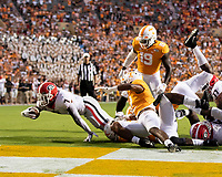 KNOXVILLE, TN - OCTOBER 5: D'Andre Swift #7 of the Georgia Bulldogs runs for a touchdown during a game between University of Georgia Bulldogs and University of Tennessee Volunteers at Neyland Stadium on October 5, 2019 in Knoxville, Tennessee.
