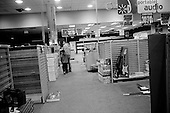 February 7, 2009<br /> Brooklyn, New York<br /> USA<br /> <br /> Atlantic Avenue's Circuit City one month before going out of business. All sales are final and everything in the store must go including the racks.