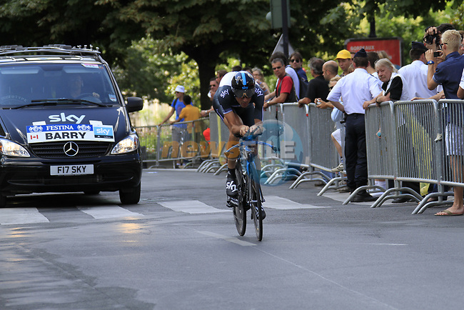 Michael Barry (CAN) Sky Pro Cycling in action during Stage 19 of the 2010 Tour de France an individual time trial running 52km from Bordeaux to Pauillac, France. 24th July 2010.<br /> (Photo by Eoin Clarke/NEWSFILE).<br /> All photos usage must carry mandatory copyright credit (© NEWSFILE | Eoin Clarke)