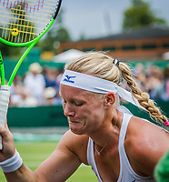 London, England, 4 th July, 2017, Tennis,  Wimbledon, Kiki Bertens (NED) loting the first set and slapping her racket<br /> Photo: Henk Koster/tennisimages.com