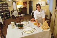 - inside of Giusti restaurant....- interno del ristorante Giusti
