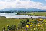 Germany, Upper Bavaria, near Murnau: lake Riegsee and Bavarian Alps   Deutschland, Bayern, bei Murnau: der Riegsee im oberbayerischen Voralpenland, im Hintergrund die Bayerischen Voralpen