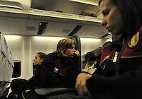 Iceland : UEFA Women's Euro Qualifying group stage (Group 3) - 21/09/2011 - 21:30CET (19:30 local time) - Laugardalsvöllur - Reykjavik : ICELAND (ijsland) - BELGIUM ( Belgie) : in het vliegtuig ; Caroline Berrens (links) en Steffi De Pelsmaeker..foto DAVID CATRY / Vrouwenteam.be