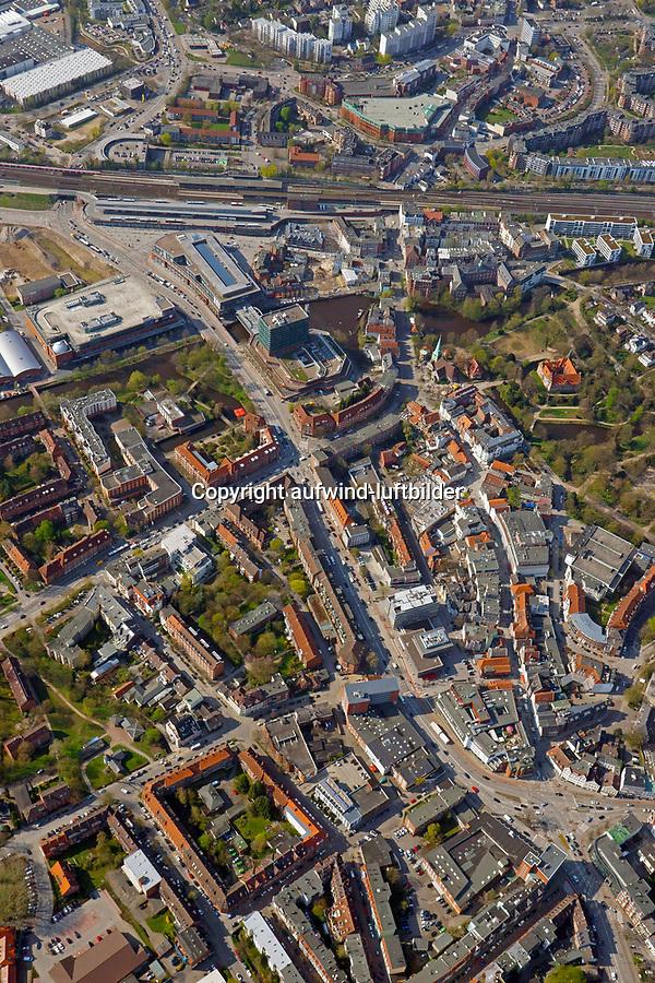 Bergedorf vom Mohnhof bis zur Bahnlinie: EUROPA, DEUTSCHLAND, HAMBURG, (EUROPE, GERMANY), 18.04.2018: Bergedorf vom Mohnhof bis zur Bahnlinie