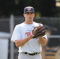 July 15, 2009: LHP Tony Davis (21) of the Elizabethton Twins, rookie Appalachian League affiliate of the Minnesota Twins, before a game at Dan Daniel Memorial Park in Danville, Va. Photo by:  Tom Priddy/Four Seam Images